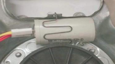 retirada_do_capacitor_de_partida_lavadora_consul_floral-7kg