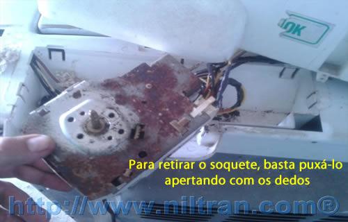 Soquete de fios retirado electrolux le08
